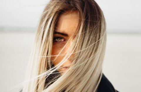 colore-capelli-estate-2020-biondi